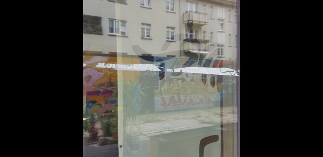 Image for How not to be kleben Fenster 2